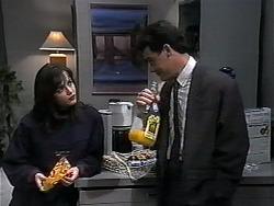 Caroline Alessi, Paul Robinson in Neighbours Episode 1321