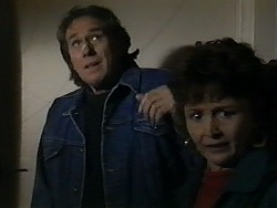 Doug Willis, Pam Willis in Neighbours Episode 1322