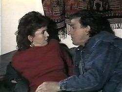 Pam Willis, Doug Willis in Neighbours Episode 1322
