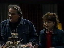 Doug Willis, Pam Willis in Neighbours Episode 1323