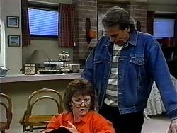 Pam Willis, Doug Willis in Neighbours Episode 1323