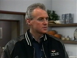 Jim Robinson in Neighbours Episode 1323