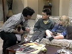 Joe Mangel, Toby Mangel, Sky Bishop in Neighbours Episode 1324