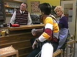 Harold Bishop, Joe Mangel, Madge Bishop in Neighbours Episode 1325