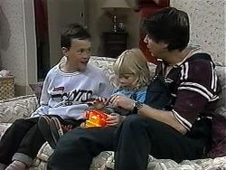 Toby Mangel, Sky Mangel, Joe Mangel in Neighbours Episode 1327