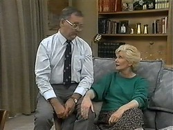 Harold Bishop, Madge Bishop in Neighbours Episode 1328