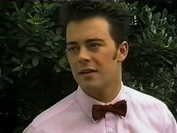 Matt Robinson in Neighbours Episode 1334
