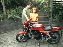 Matt Robinson, Gemma Ramsay in Neighbours Episode 1341