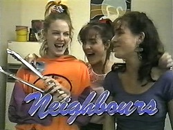 Melanie Pearson, Caroline Alessi, Christina Alessi in Neighbours Episode 1341