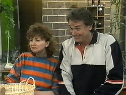 Pam Willis, Doug Willis in Neighbours Episode 1342