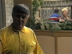 Tom Ramsay, Harold Bishop, Madge Bishop in Neighbours Episode 1350