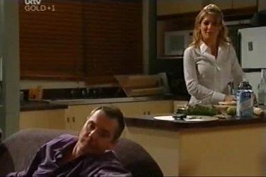 Karl Kennedy, Izzy Hoyland in Neighbours Episode 4501