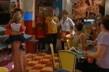 Lyn Scully, Oscar Scully, Sky Mangel, Boyd Hoyland, Izzy Hoyland in Neighbours Episode 4501