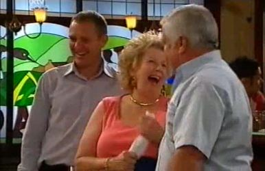 Max Hoyland, Valda Sheergold, Lou Carpenter in Neighbours Episode 4519