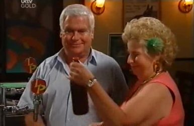 Lou Carpenter, Valda Sheergold in Neighbours Episode 4519