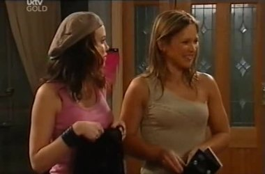 Libby Kennedy, Steph Scully in Neighbours Episode 4551