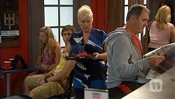 Georgia Brooks, Kyle Canning, Sheila Canning, Karl Kennedy in Neighbours Episode 6831