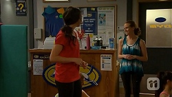Kate Ramsay, Georgia Brooks in Neighbours Episode 6832