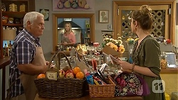 Lou Carpenter, Lauren Turner, Sonya Mitchell in Neighbours Episode 6833
