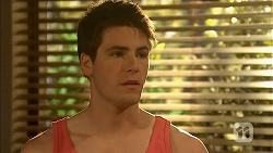 Chris Pappas in Neighbours Episode 6833