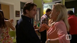 Brad Willis, Lauren Turner in Neighbours Episode 6833
