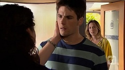Patricia Pappas, Chris Pappas, Sonya Mitchell in Neighbours Episode 6834