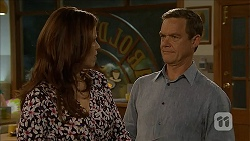 Rebecca Napier, Paul Robinson in Neighbours Episode 6838