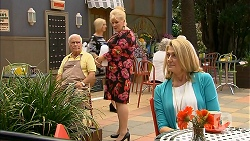 Lou Carpenter, Sheila Canning, Kathy Carpenter in Neighbours Episode 6842