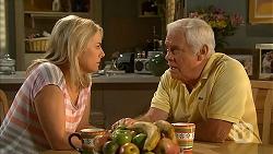 Lauren Turner, Lou Carpenter in Neighbours Episode 6842