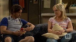 Brad Willis, Lauren Turner in Neighbours Episode 6842