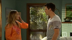 Sonya Mitchell, Chris Pappas in Neighbours Episode 6843