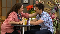 Patricia Pappas, Chris Pappas in Neighbours Episode 6849