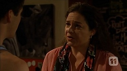 Chris Pappas, Patricia Pappas in Neighbours Episode 6849