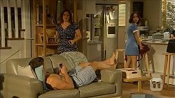 Josh Willis, Terese Willis, Imogen Willis in Neighbours Episode 6850