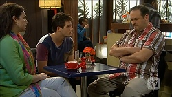 Patricia Pappas, Chris Pappas, George Pappas in Neighbours Episode 6850