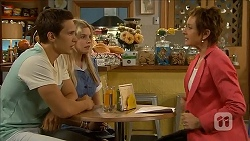 Josh Willis, Amber Turner, Susan Kennedy in Neighbours Episode 6850