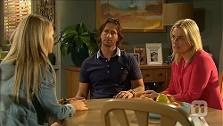 Lisa Tucker, Brad Willis, Lauren Turner in Neighbours Episode 6854