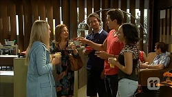 Lisa Tucker, Terese Willis, Brad Willis, Josh Willis, Imogen Willis in Neighbours Episode 6854