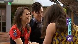 Sophie Ramsay, Zeke Kinski, Kate Ramsay in Neighbours Episode 6856