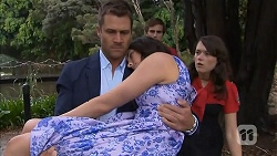 Mark Brennan, Kate Ramsay, Kyle Canning, Sophie Ramsay in Neighbours Episode 6857