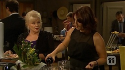 Sheila Canning, Naomi Canning in Neighbours Episode 6857