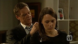 Paul Robinson, Sophie Ramsay in Neighbours Episode 6857
