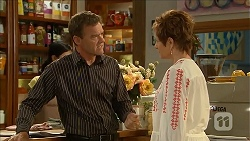 Paul Robinson, Susan Kennedy in Neighbours Episode 6858