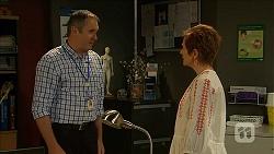 Karl Kennedy, Susan Kennedy in Neighbours Episode 6859