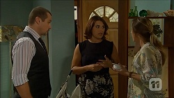 Toadie Rebecchi, Naomi Canning, Sonya Rebecchi in Neighbours Episode 6861