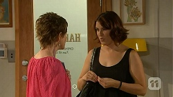 Susan Kennedy, Naomi Canning in Neighbours Episode 6862
