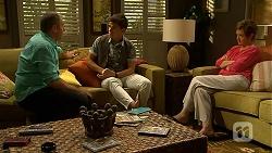 Karl Kennedy, Zeke Kinski, Susan Kennedy in Neighbours Episode 6862
