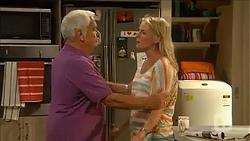 Lou Carpenter, Lauren Turner in Neighbours Episode 6863