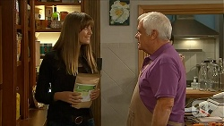 Danni Ferguson, Lou Carpenter in Neighbours Episode 6863