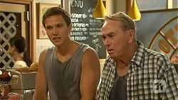 Josh Willis, Doug Willis in Neighbours Episode 6866